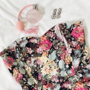 Dresses & Skirts - Floral Sweetheart Dress